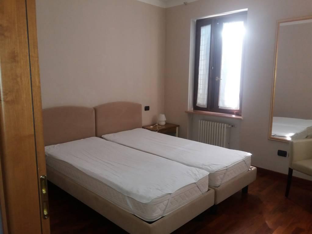 Camera da letto 1 residenza boschetto verona for 2 appartamenti della camera da letto principale